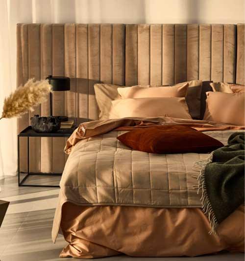 11 sänggavlar i lyxig sammet