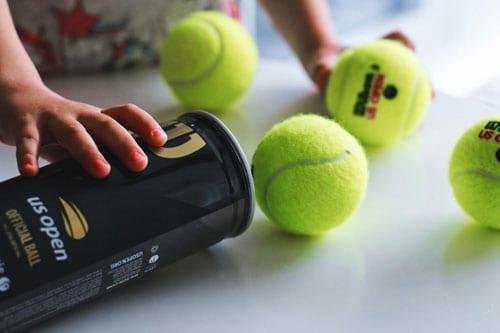 Torktumla täcken och kuddar med tennisboll